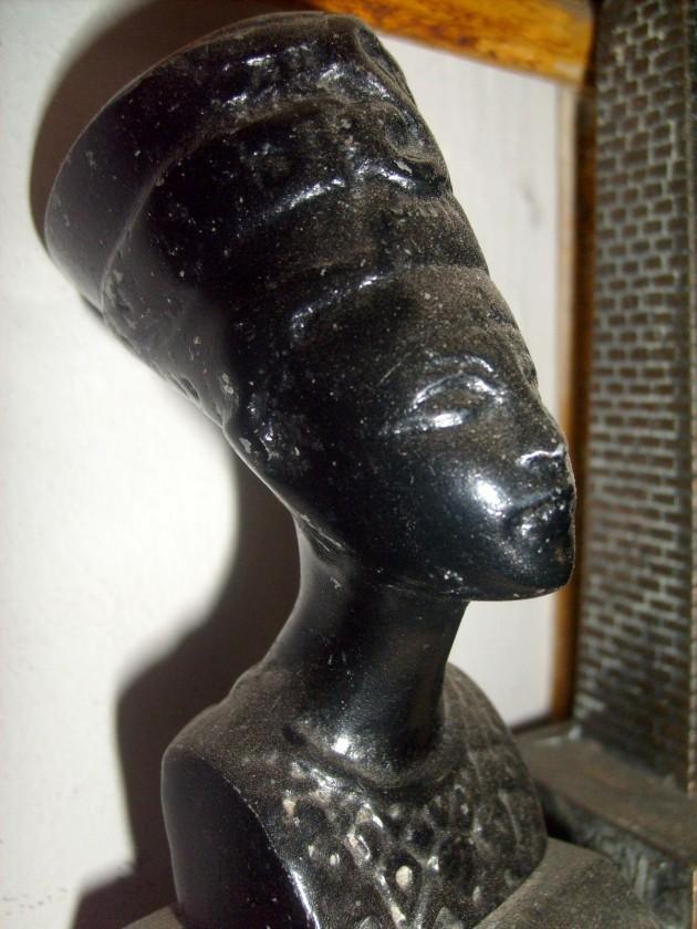Nefertiti - Istri Amenophis IV