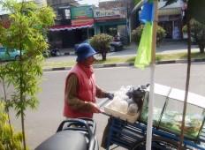Pedagang ikan hias keliling - Jalan Dago