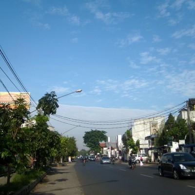 Awan lurus - jalan Pajajaran, Bandung