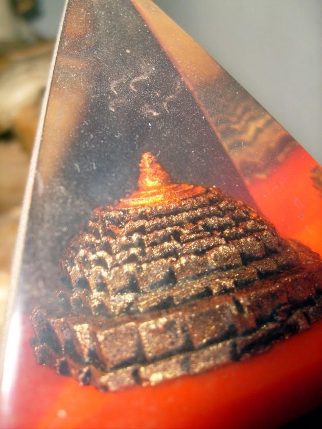 Miniatur Piramida Kaca - Borobudur