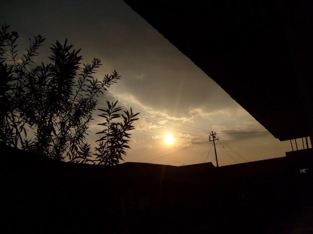 Matahari hampir terbenam - RS Dustira
