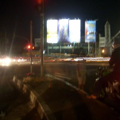 Perjalanan malam 1 foto 1 - lampu merah Pasteur