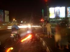 Perjalanan malam 1 foto 4 - lampu merah Pasteur