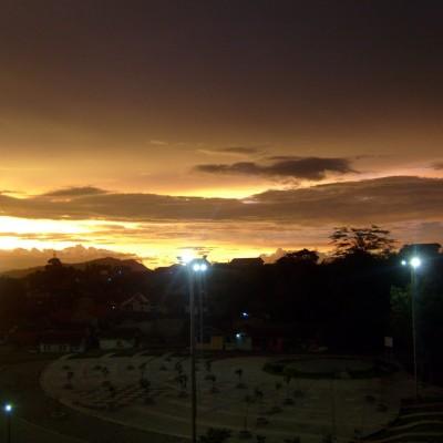 Pemandangan langit senja Pemkot Cimahi 3