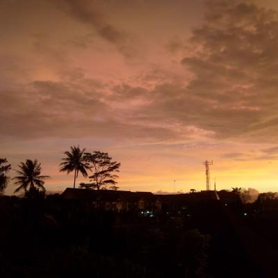 Pemandangan langit senja Pemkot Cimahi 5