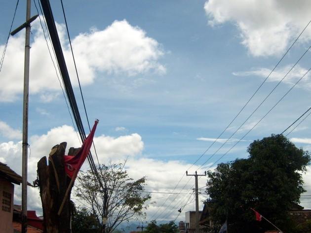 Pemandangan langit cerah jalan Kolonel Masturi