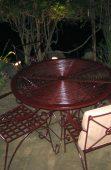 Meja tempat nongkrong favorit di Kampung Sampireun Resort dan Spa, Garut